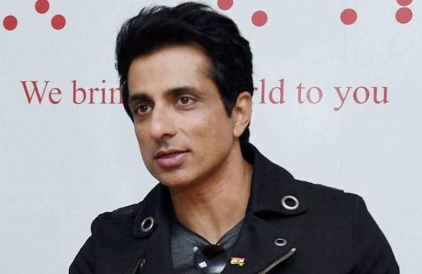 Sonu Sood to create volunteer programme for COVID-19 vaccination registration in rural India