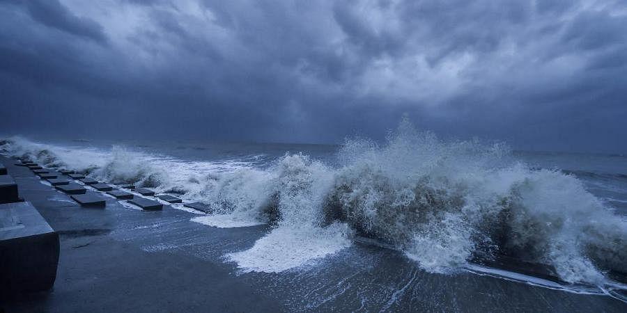 Rough sea in the Bay of Bengal ahead of Cyclone 'Yaas' landfall, at Digha