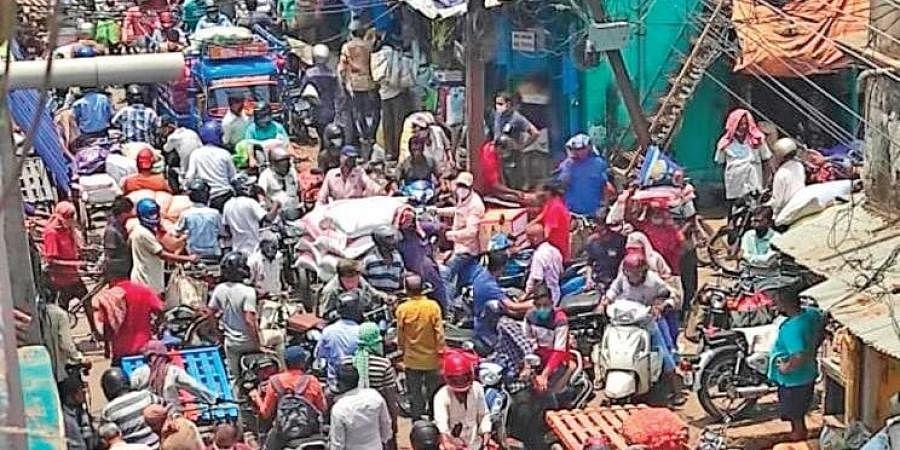 Crowded Desibehera street in Berhampur