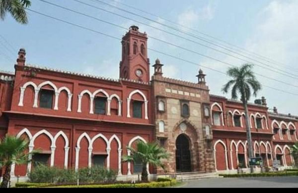 AMU doctor, who played a crucial role in battle against pandemic, dies of COVID