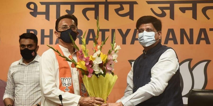 Congress leader Jitin Prasada join BJP in the presence of Piyush Goyal at BJP HQ in New Delhi on Wednesday.