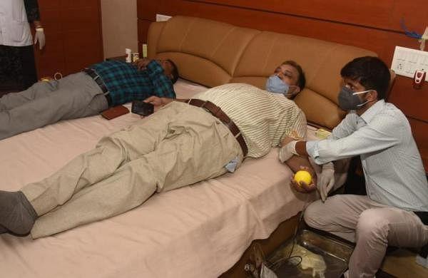 Bihar's IAS officersdonate blood for thalaasemia-affected children