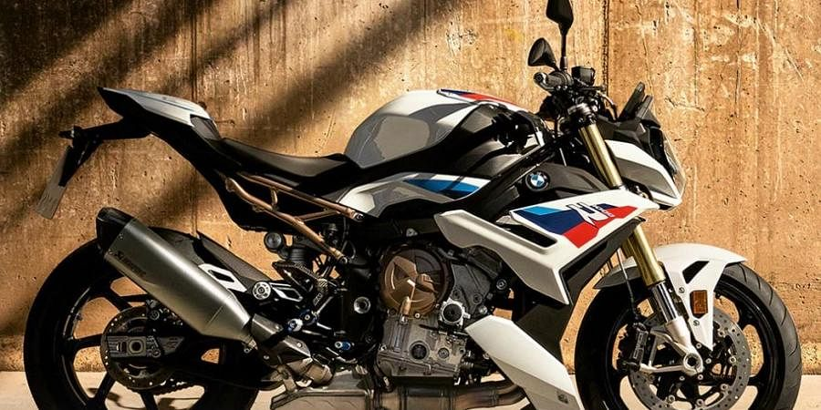 The BMW S 1000 R will be available in three variants.