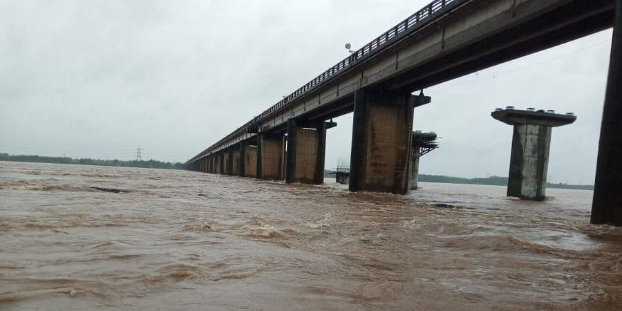 Godavari floods at Bhadrachalam following heavy rains in Telangana