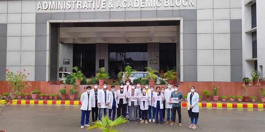 medical interns in Uttarakhand