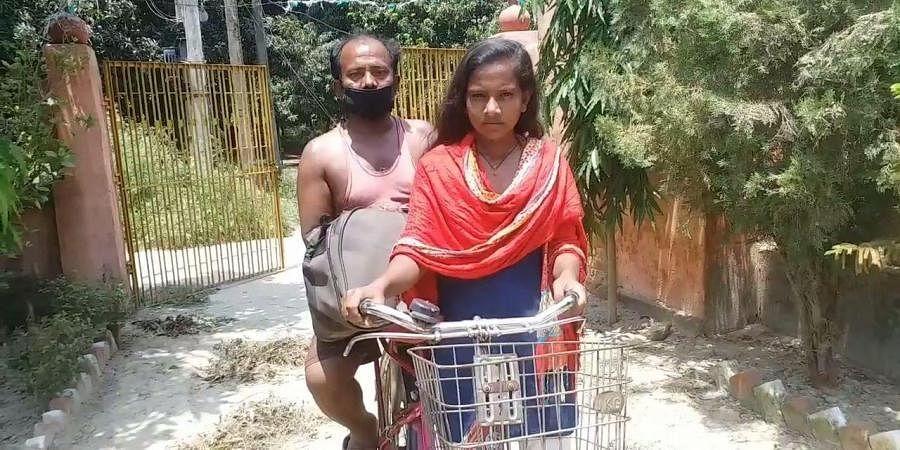Jyoti Kumari with her father Mohan Paswan.