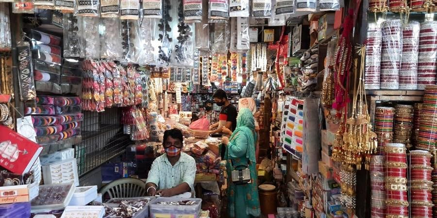 Shops reopen on odd-even basis at the Khari Baoli market after further ease in the COVID-19 lockdown, in New Delhi on Monday. (Photo   Shekhar Yadav, EPS)