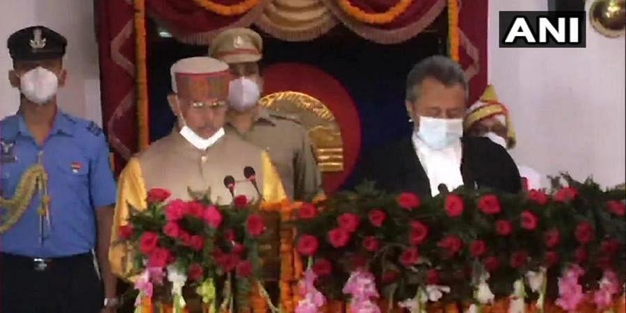 Rajendra Arlekar takes oath as the new Governor of Himachal Pradesh in Raj Bhavan