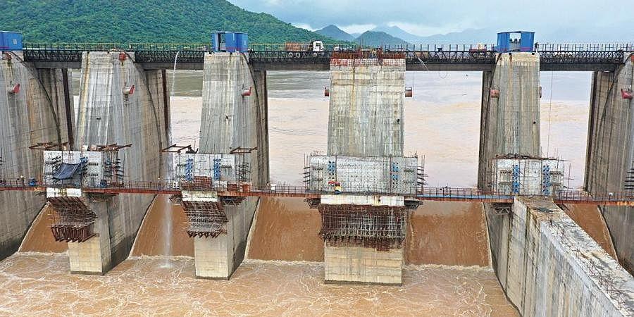 Increasing flood-level in the Godavari at Polavaram irrigation project in East Godavari
