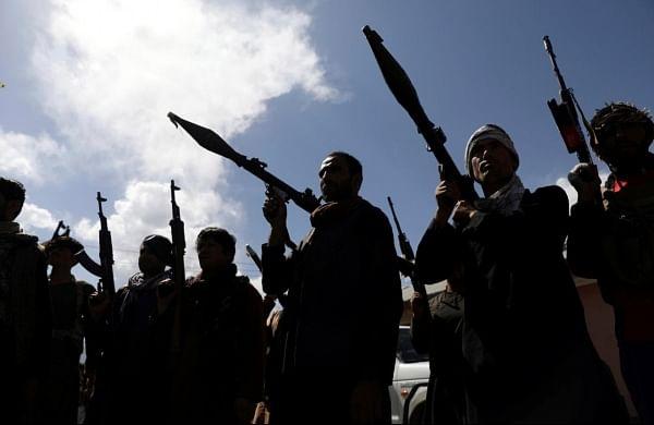 Pakistan deploys regular troops at forward areas along Afghan border as tensions increase: Report