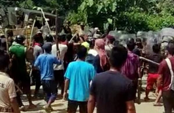 Assam-Mizoram border clash:Police forcespulled back by100 metres, bandh hits truck movements