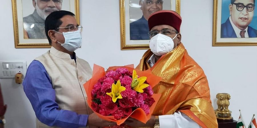 Union Minister Thaawarchand Gehlot being felicatated after being appointed as Karnataka Governor in New Delhi