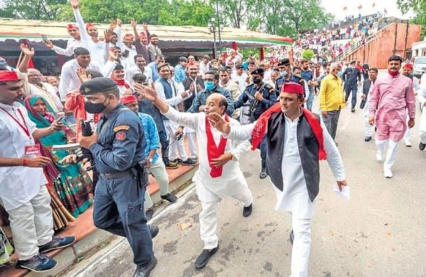 Temple, holiday in Samajwadi Party's outreach to Vishwakarmas in UP
