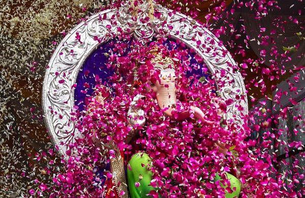 Mumbaikars bid adieu to Lord Ganesh; over 400 idols immersed in city so far on 10th day of festival