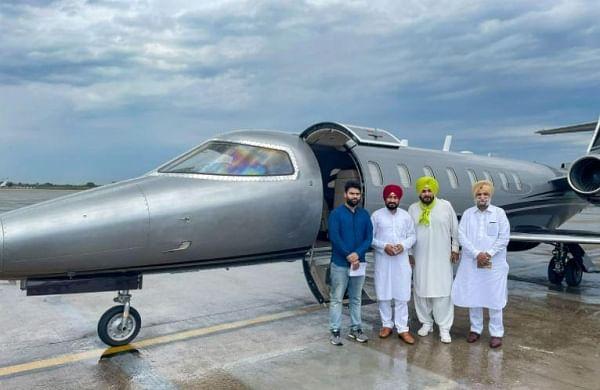 Shiromani Akali Dal flays CM Channi, Congress leaders for chartered flight to Delhi