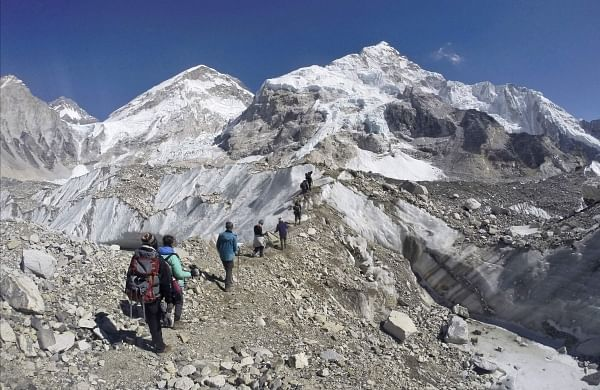 Army team on expedition to Satopanth peak finds frozen remains of mountaineer