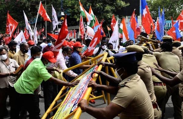 Farmers' call for Bharat Bandh has full support of Samajwadi Party: Akhilesh Yadav